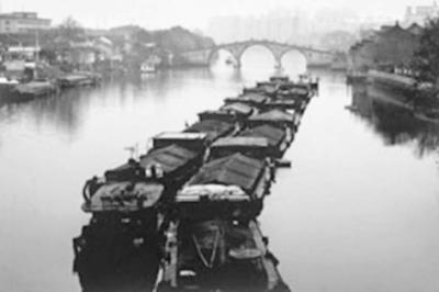 绵延千年的京杭大运河改变了中国南北交通格局,其变迁也极大影响了中国历史的发展。资料图片