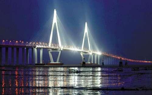 港珠澳大桥将打造地标式建筑 拟设白海豚观赏区