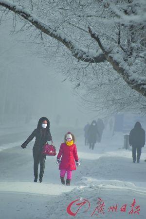 因为寒冷,呼伦贝尔的街道上行人稀少。 CFP供图