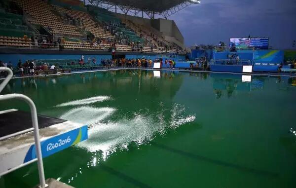 奥运会游泳池突然变绿 揭秘一池盐酸的由来
