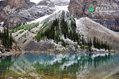 恰逢雪后的梦莲湖真正的美无需去修饰与雕琢