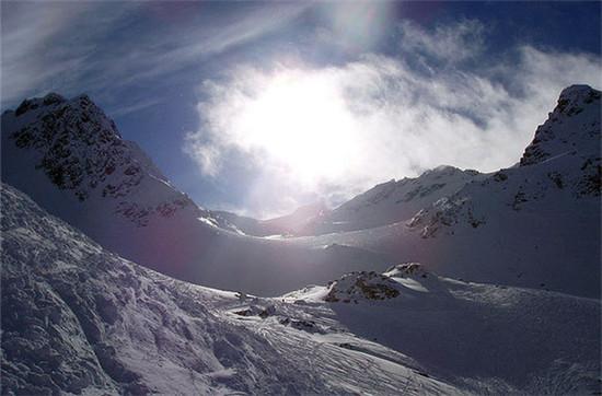 惠勒斯滑雪场(加拿大)