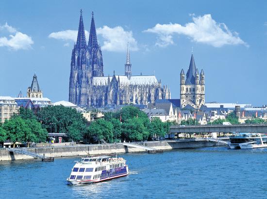 德国科隆附近的一段莱茵河
